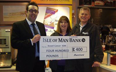 MannVend donates £400 to Bowel Cancer IOM