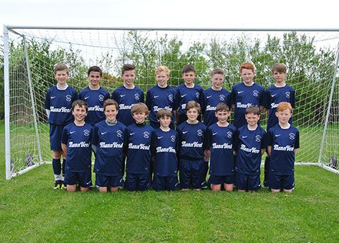 MannVend sponsor Union Mills FC with training kit